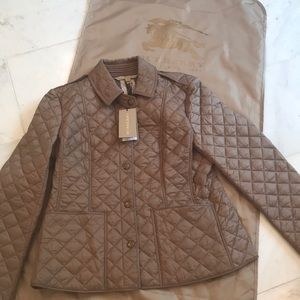 NWT BURBERRY awesome tan quilted jacket.